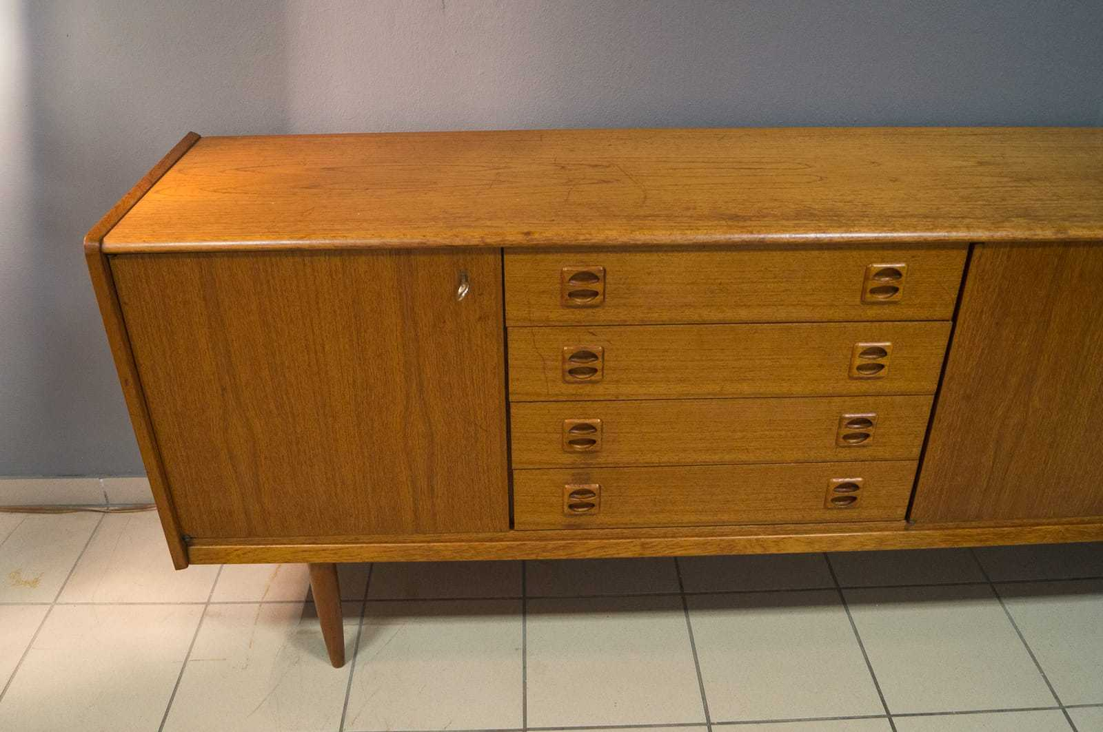skandinavisches vintage teak sideboard anrichte 60er 70er. Black Bedroom Furniture Sets. Home Design Ideas