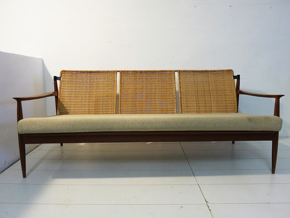 dreisitzer sofa teak rattan design carl straub f r goldfeder danish style ebay. Black Bedroom Furniture Sets. Home Design Ideas