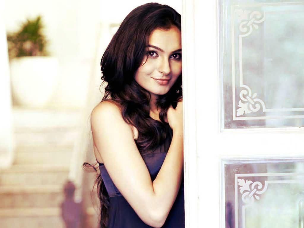 Tamil Actress Andrea Jeremiah Hot Photos - Sexy Actress Pictures   Hot Actress Pictures