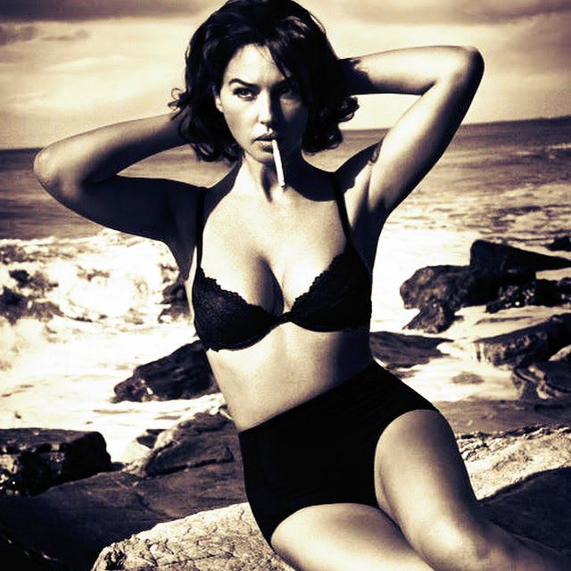 Hottest Pictures of Monica Bellucci Smoking - Sexy Actress Pictures | Hot Actress Pictures