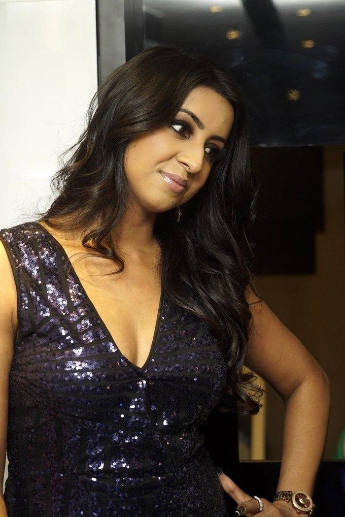 Sanjana Galrani - OPI Launch at Mirrors Luxury Salon