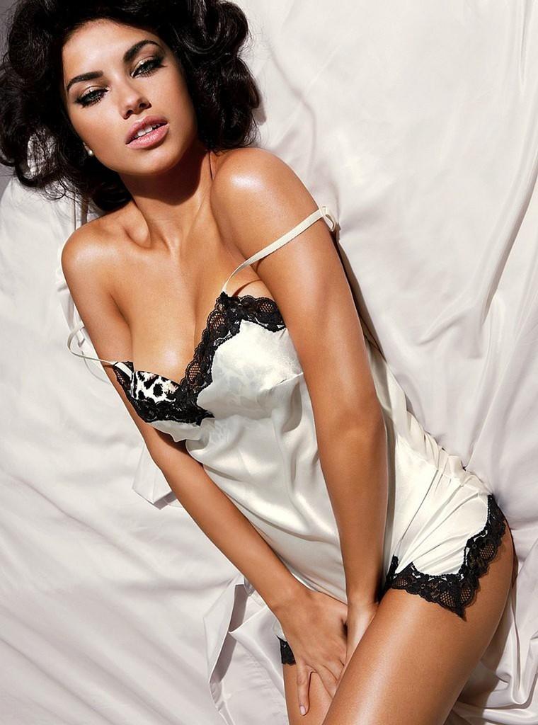 Adriana Lima - Sexy Victoria's Secret Lingerie Photo Shoot