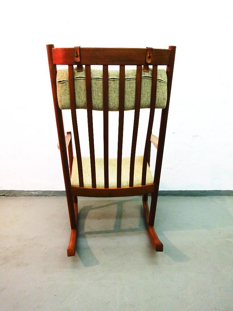 Hans wegner teak schaukelstuhl f r tarm stole for Gebrauchter schaukelstuhl
