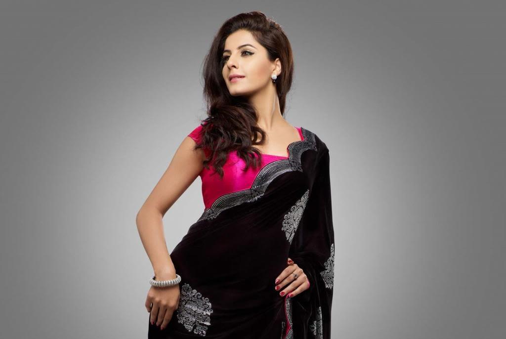 Isha Talwar in Saree Pics - Sexy Actress Pictures | Hot Actress Pictures