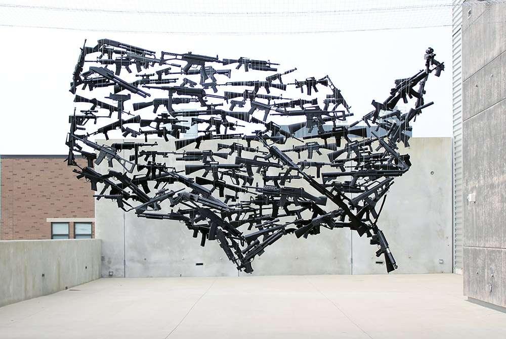 Oeuvre d'art avec des armes