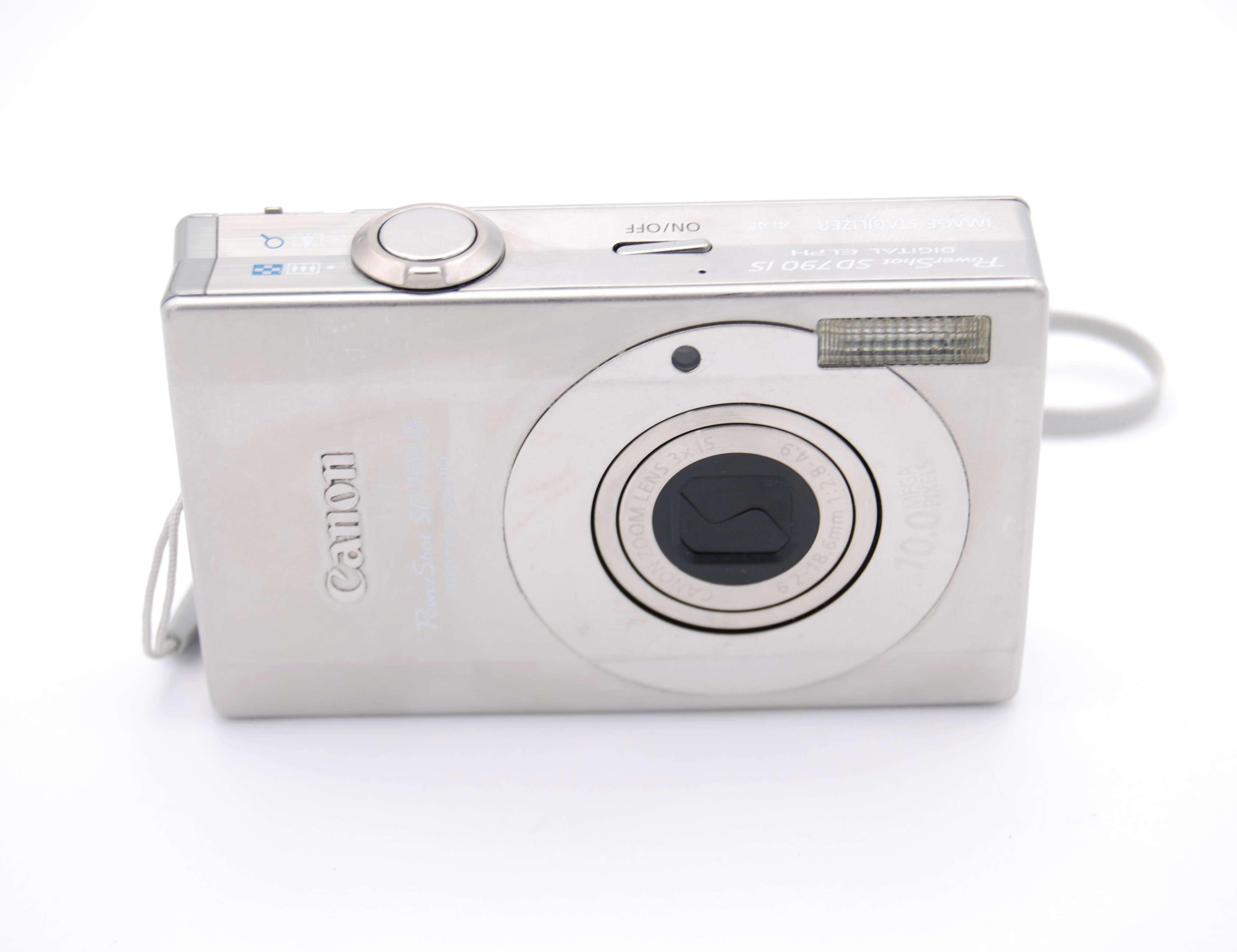 Canon PowerShot Digital ELPH SD790 IS / Digital IXUS 90 IS Digital Camera