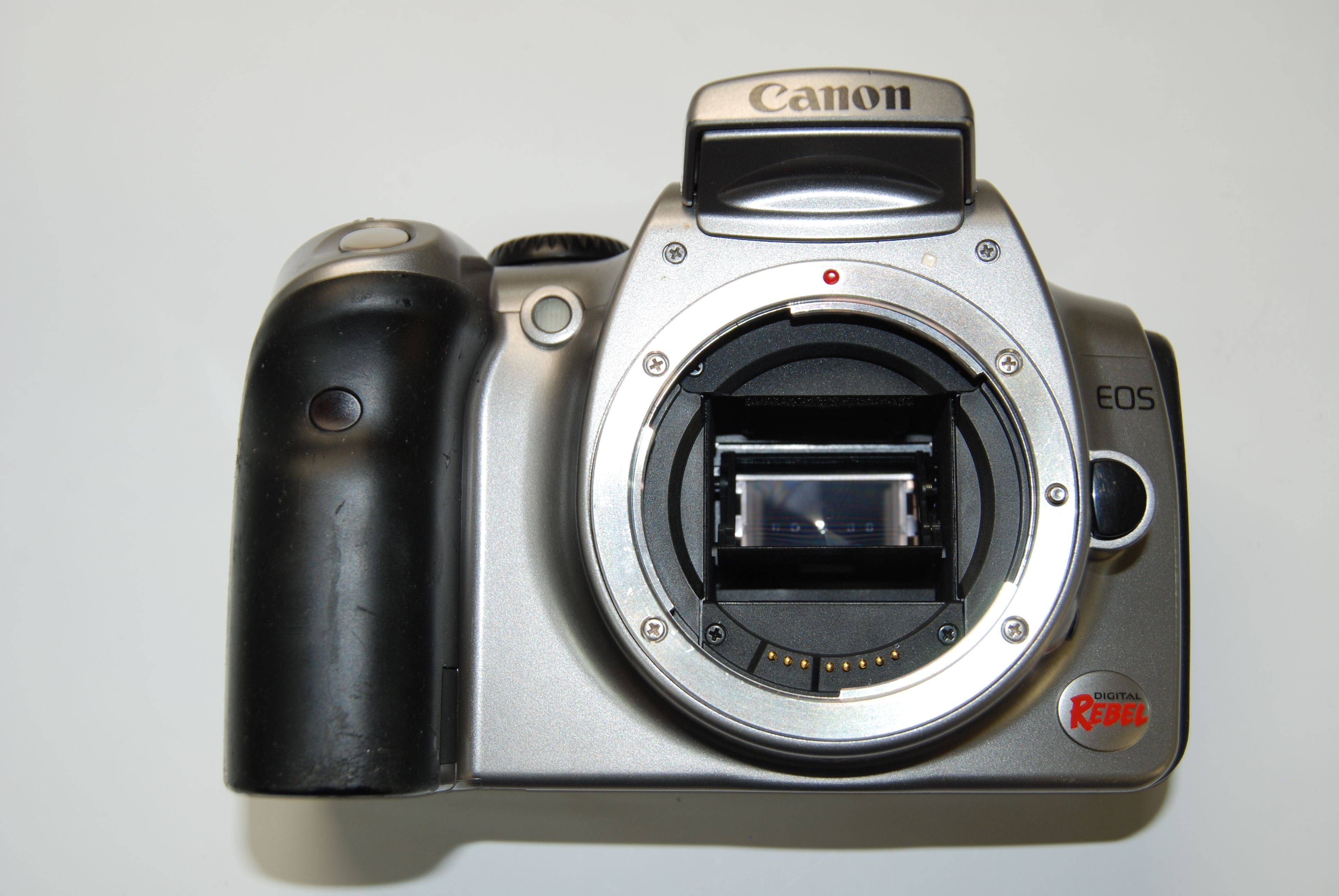 Canon EOS 300D (EOS Digital Rebel / EOS Kiss Digital) Digital Camera