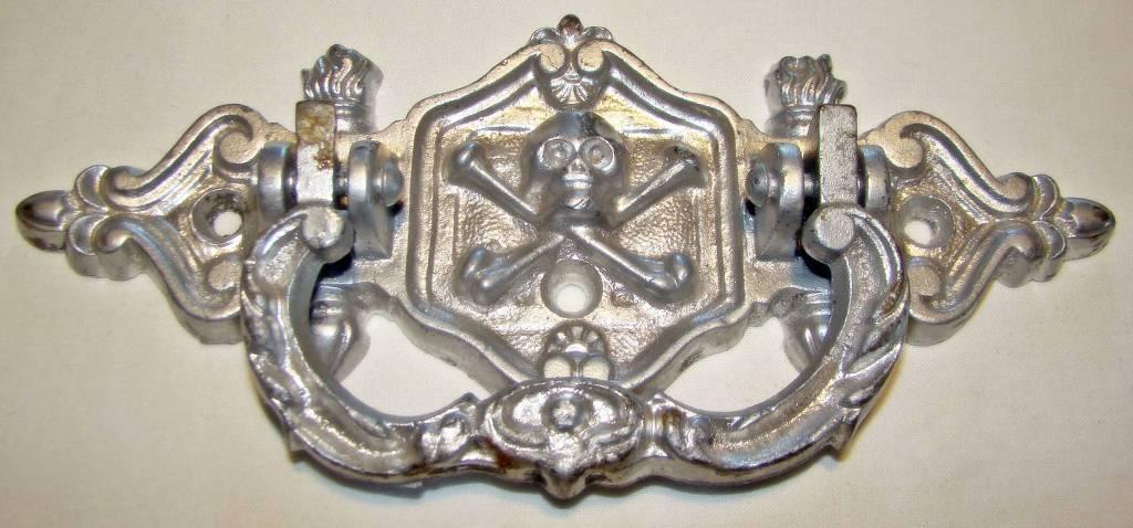 Belle Poignée de Cercueil Ancienne en Fonte avec Tête de