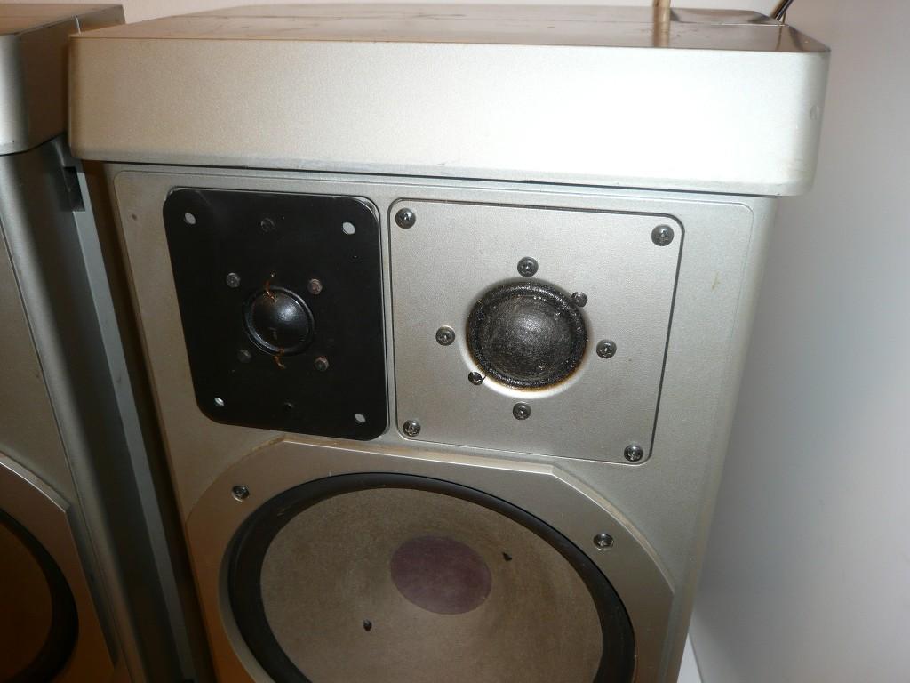 2x grundig m1500 haut parleurs st r o boxe sans c ble d fectueux ebay. Black Bedroom Furniture Sets. Home Design Ideas