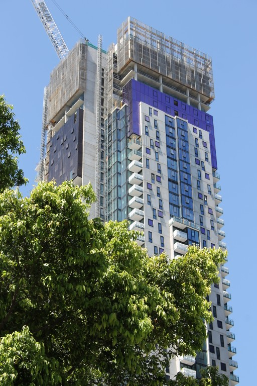 SOUTHBANK | Platinum | 245-263 City Road | 46L&53L | 147m&167m | Residential