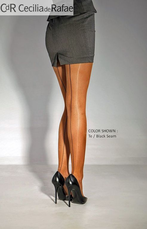 glossy-pantyhose-nylons