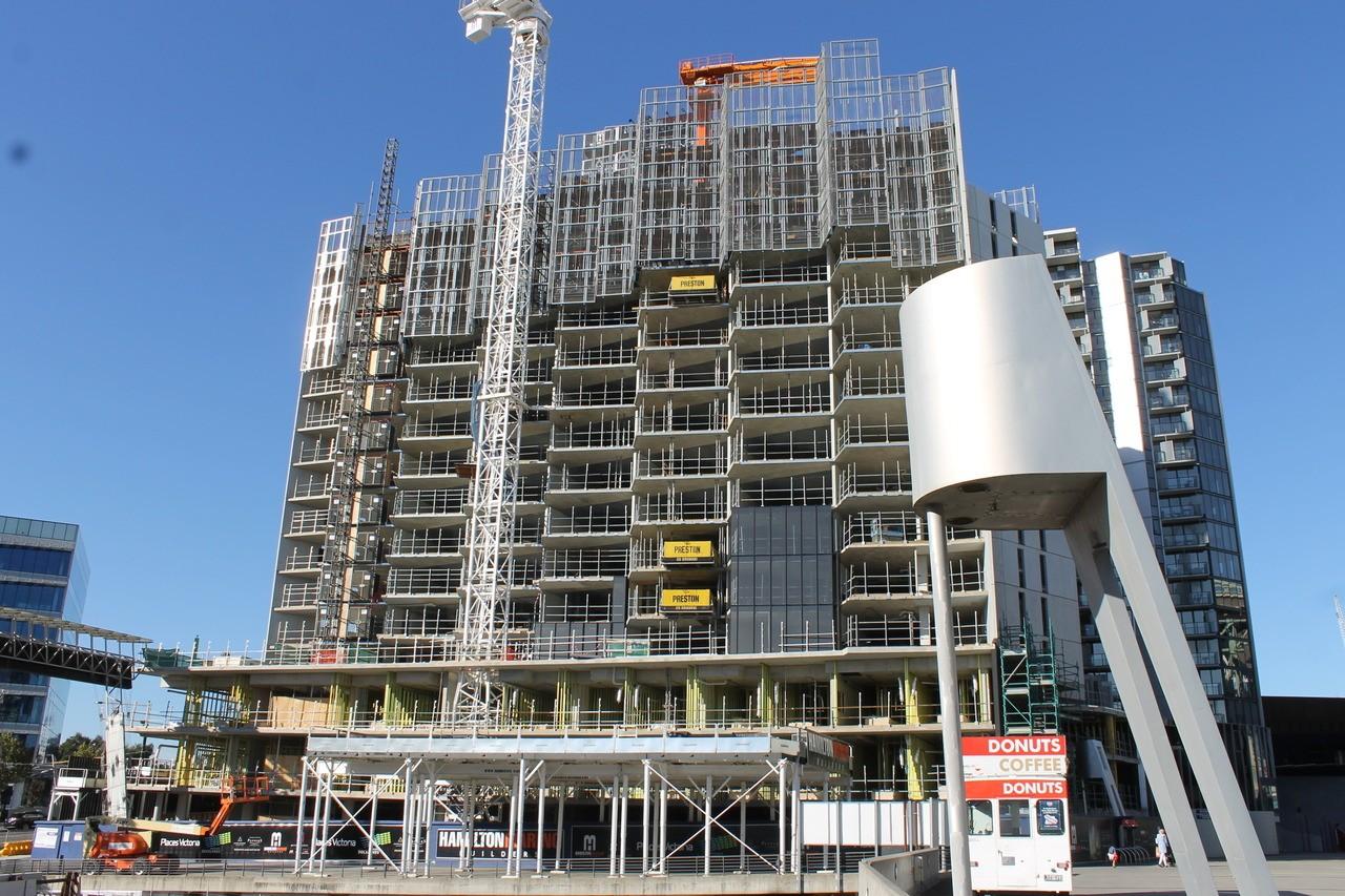 DOCKLANDS   M Docklands   LaTrobe Street   18L   Residential