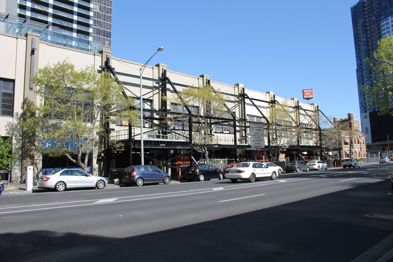 SOUTHBANK | Southbank Central | 1-11 Balston Street | 48L | 154m | Residential