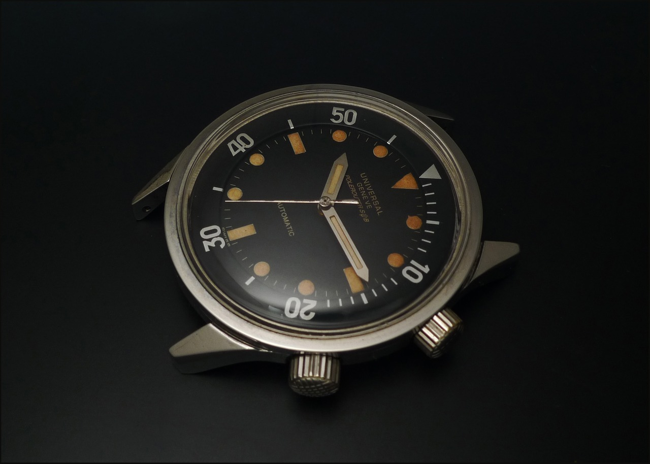 2e5c745109b9 Horological Meandering - Universal Genève Polerouter Sub  A quick picture  of a cool watch.