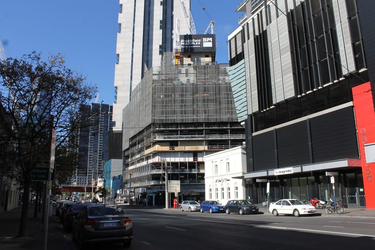 SOUTHBANK | Platinum | 245-263 City Road | 46L&53L | 147m&167m | Residential