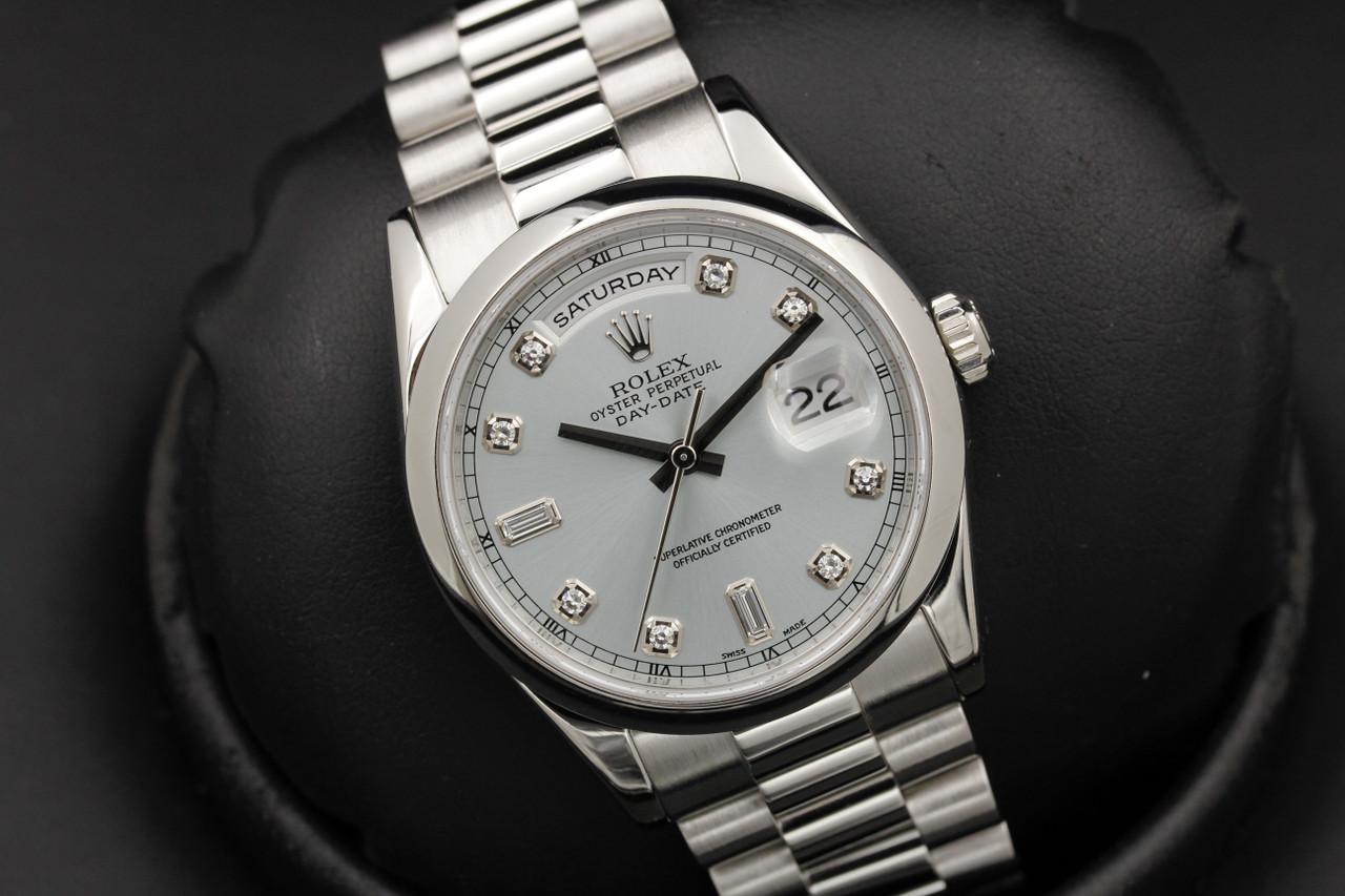 Часы не теряют точности хода и обладают рабочим запасом 72 часа.