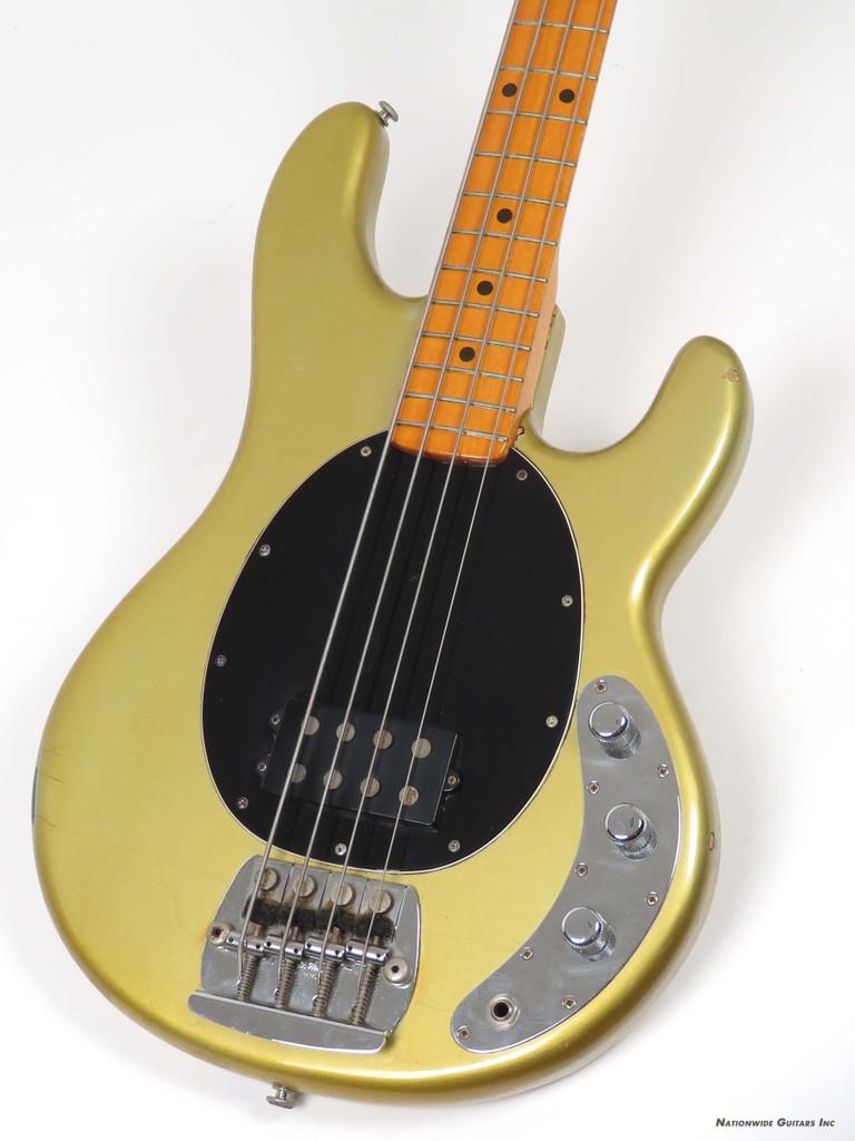 1977 musicman stingray bass rare inca silver finish ebay. Black Bedroom Furniture Sets. Home Design Ideas