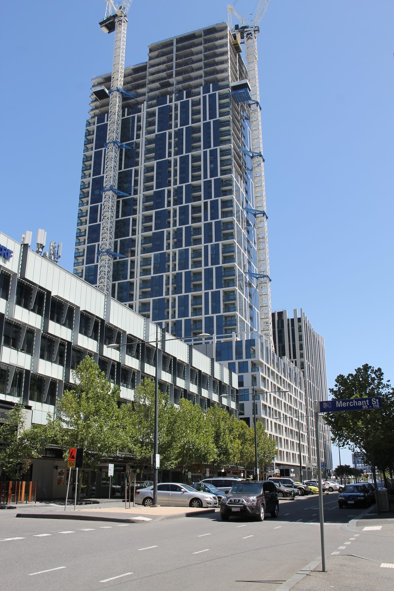 DOCKLANDS   888 Collins Street   ~130m   40L   Residential