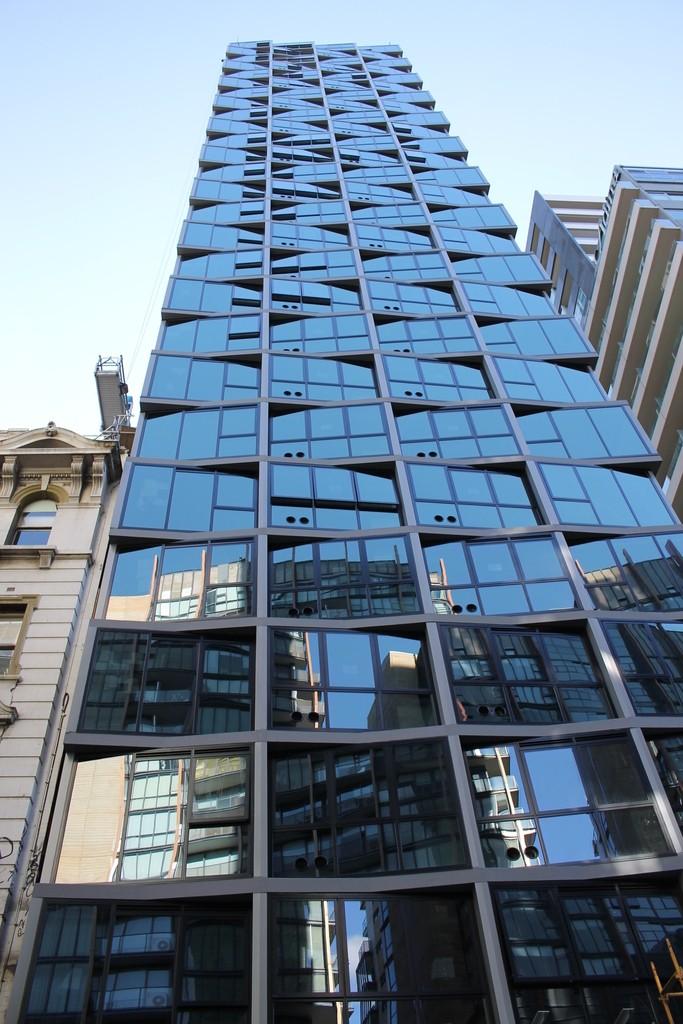 CBD | 560 Flinders Street | 29L | 90m | Residential