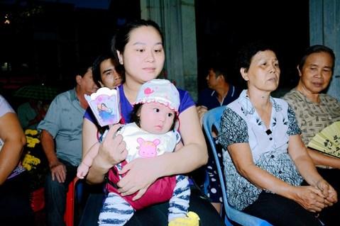 Giáo xứ Vĩnh Hòa: Lễ Đức Mẹ dâng con vào đền thờ