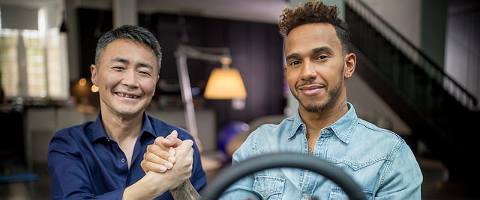 Lewis Hamilton e Kazunori Yamauchi