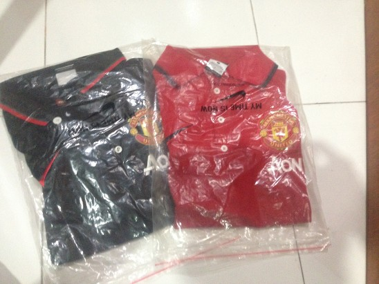 obral-jersey-dan-polo-manchester-united-red--black