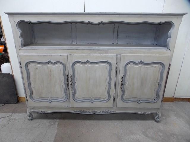 meuble buffet bahut ancien en bois peint couleur gris louis xv shabby chic ebay. Black Bedroom Furniture Sets. Home Design Ideas