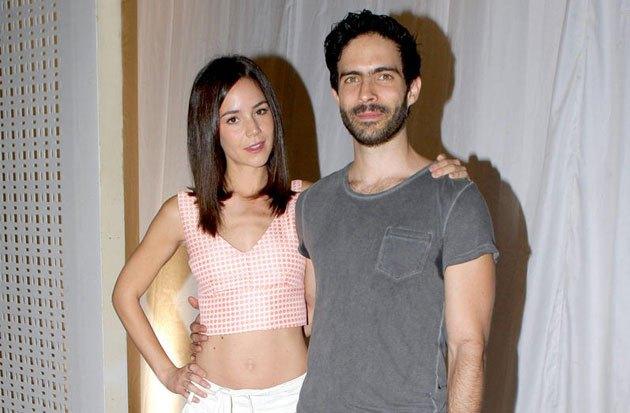 Camila Sodi y Osvaldo Benavides