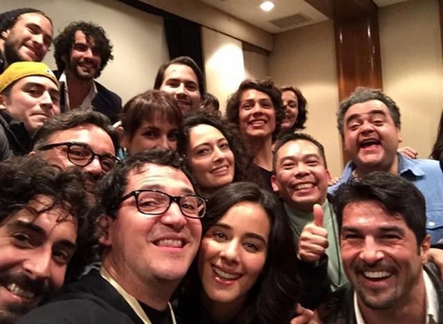 Selfie con parte del elenco de la telenovela La Vecina