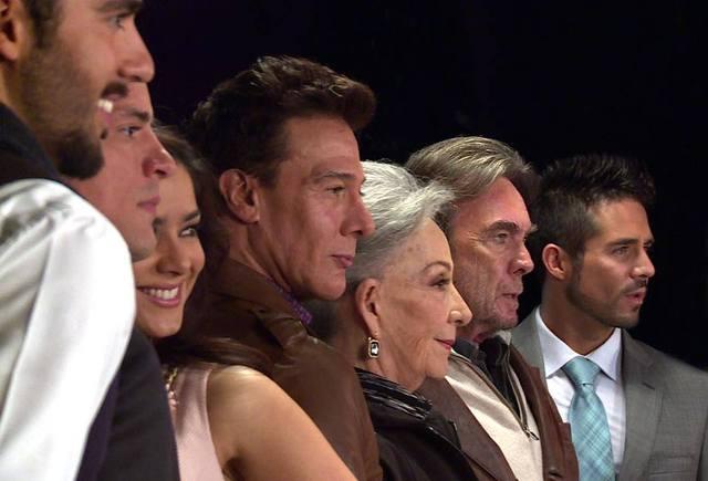 Actores de Muchacha Italiana Viena A Casarse