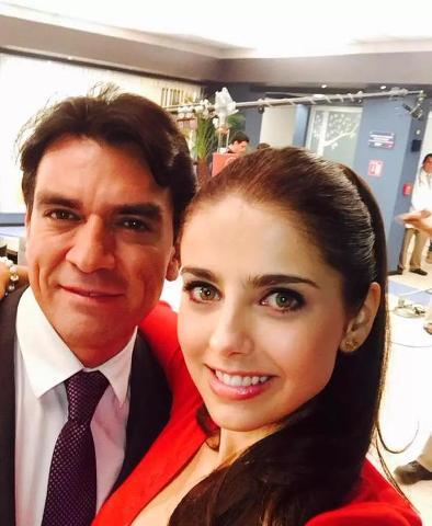 Selfie con Jorge Salinas y Michelle Renaud