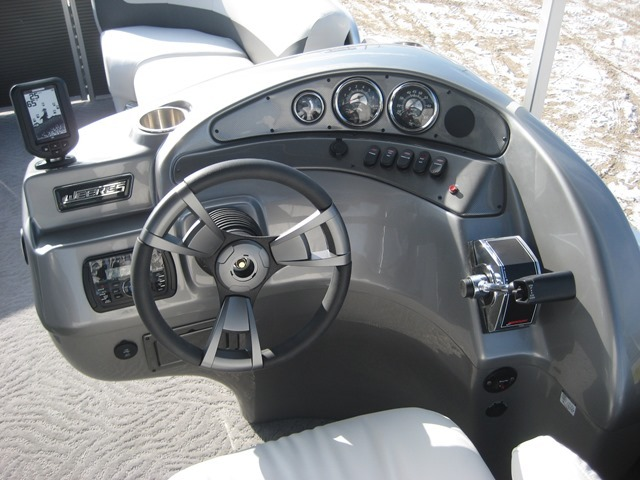 New 2015 Weeres 220 Allure Pontoon & Brand New Mercury