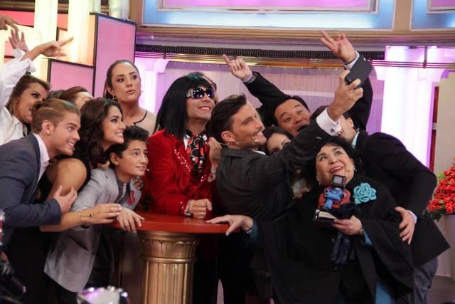 Omar Chaparro, Betty Monroe, Julián Gil, Renata Notni, Carmen Salinas