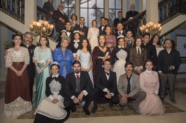 """Presentación de """"El hotel de los secretos"""" de Televisa"""