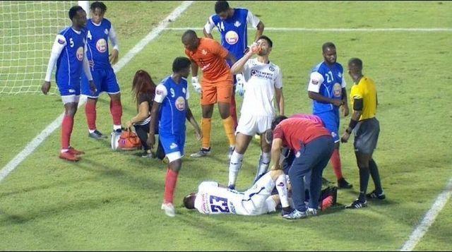 Pablo Aguilar termina lesionado en partido de Concachampions