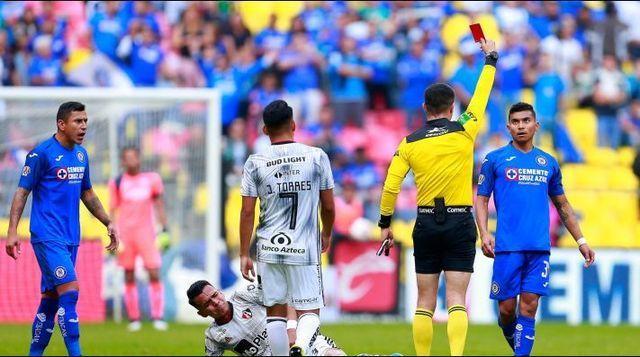 Orbelín Pineda ya tiene su castigo por la expulsión