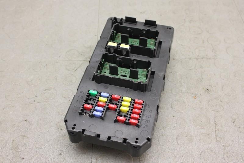 08 jeep commander power distribution module fuse box block ... 2006 jeep commander fuse box location