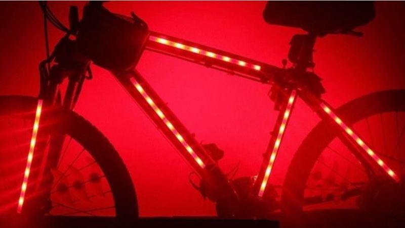 Kit 2 striscie led rgb a batterie per bici bicicletta for Strisce led adesive