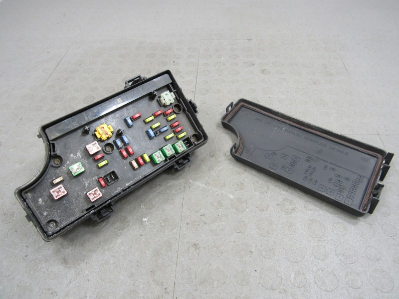 fuse box on jeep grand cherokee fuse box 07 jeep compass 07 caliber patriot compass tipm bcm integrated power