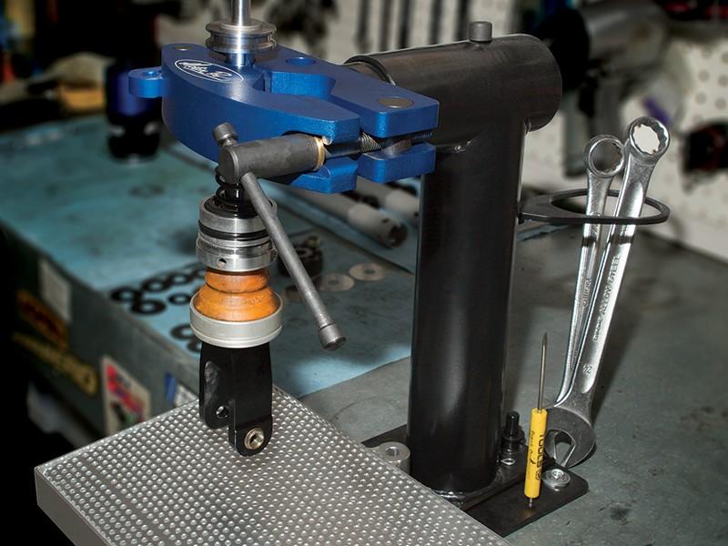 Featured Product - Pivot Suspension Vise - Motion Pro