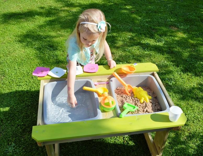 sand und wasser spieltisch picknicktisch aus holz mit 2 sitzb nke ebay. Black Bedroom Furniture Sets. Home Design Ideas