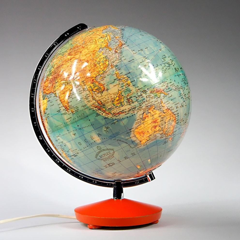 globe terrestre lumineux mappemonde vintage map of the. Black Bedroom Furniture Sets. Home Design Ideas