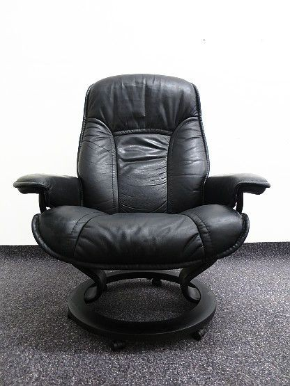 ekornes stressless sessel mit fusshocker schwarzes leder ebay. Black Bedroom Furniture Sets. Home Design Ideas