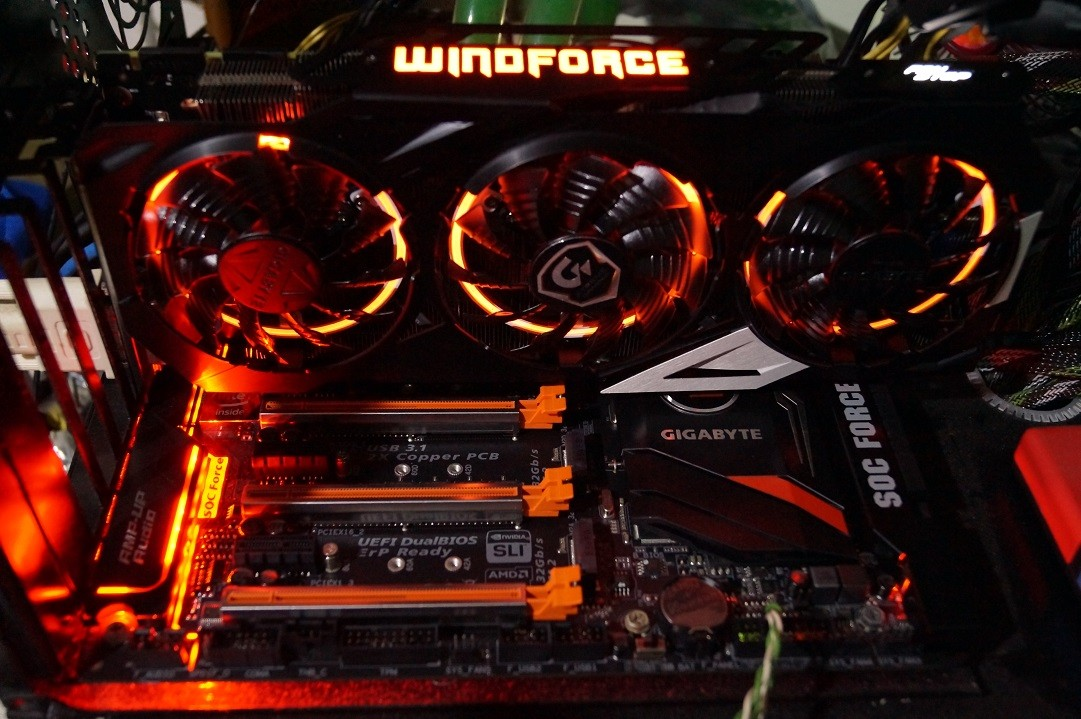 Motherboard: Super Overclocking GA-Z170X-SOC FORCE with GTX