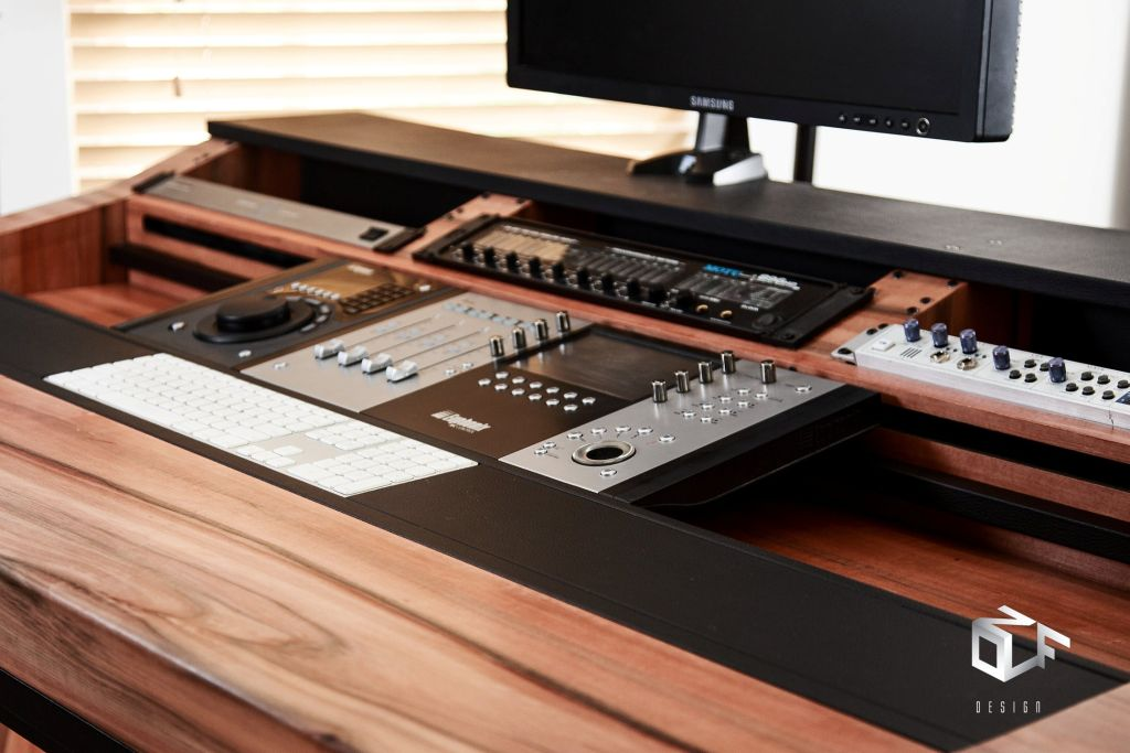 Custom Keyboard Workstation Desk : akai mpc forums custom studio desk aurora mpc customisation studio diy projects ~ Vivirlamusica.com Haus und Dekorationen