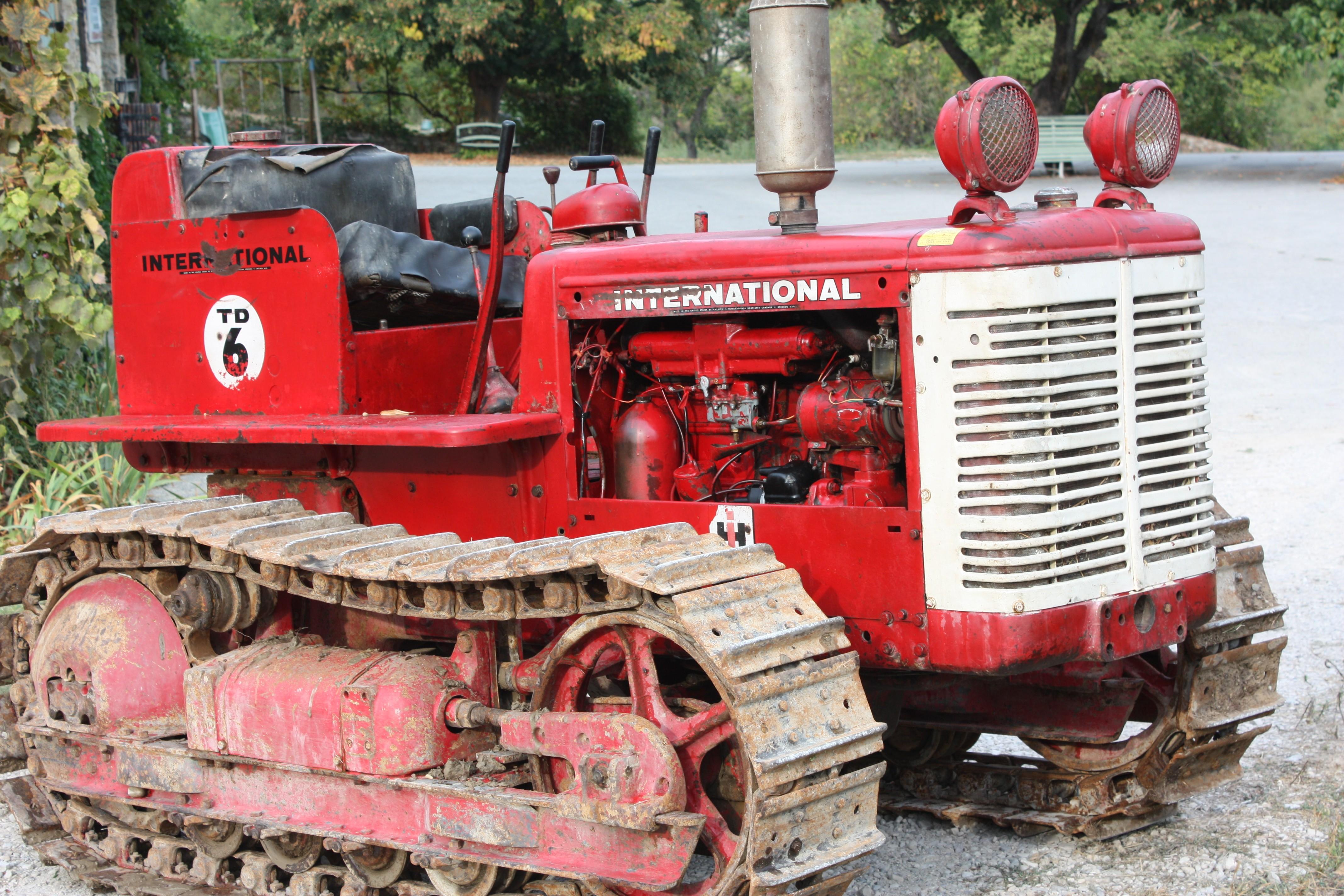 international td6 - Les Tracteurs Rouges