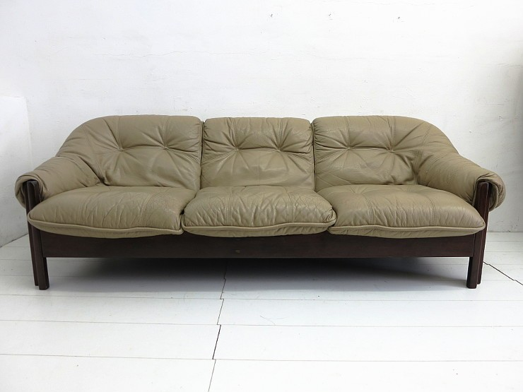 brasilianisches design dreisitzer leder sofa von probel sao paolo 60er 70er ebay. Black Bedroom Furniture Sets. Home Design Ideas