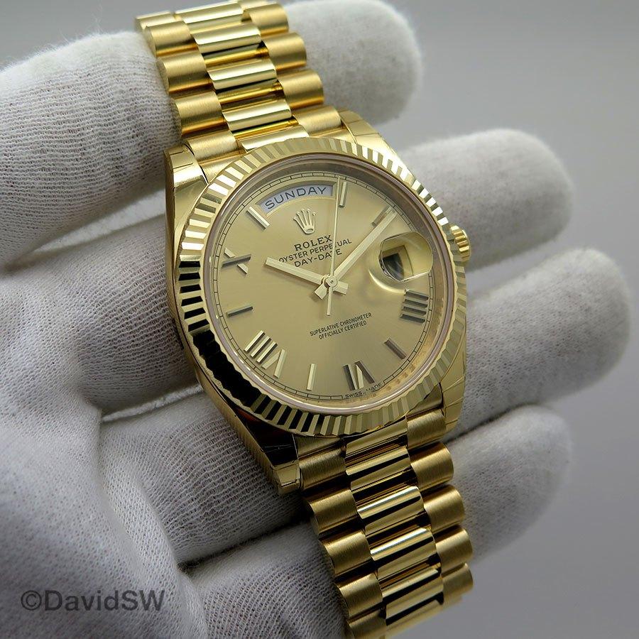 64a7fd63f8d NIB Rolex 228238 18K YELLOW GOLD 40MM DAY DATE -CHAMPAGNE ROMAN DIAL (Rolex)