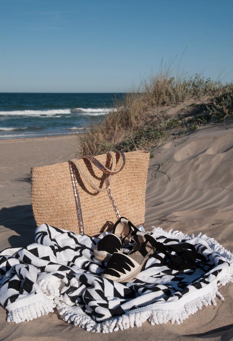 BEACH ESSENTIALS-12308-macarenagea