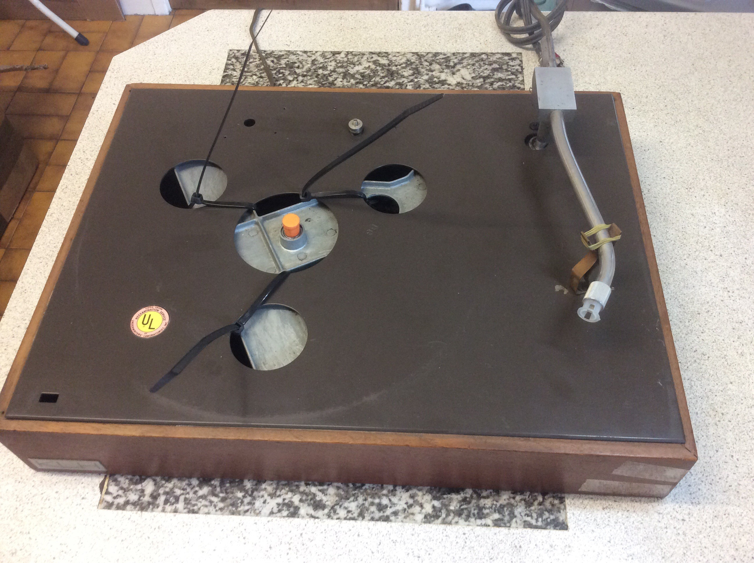 For Sale: Acoustic Research XA turntable